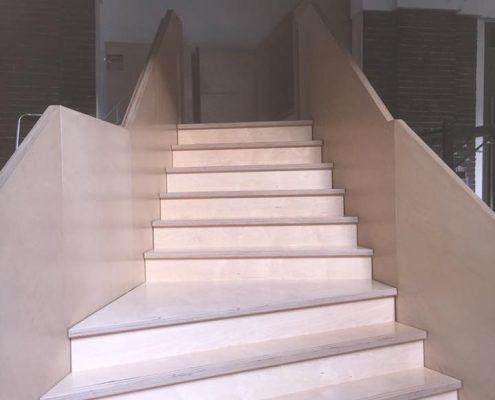 Binnenschilderwerk bedrijven - Korenbeurs Schiedam, trap schilderen